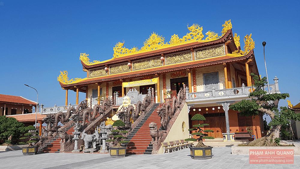 chính điện chùa bình a