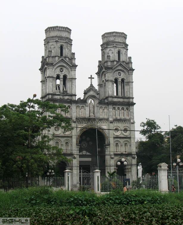 nhà thờ làng tám