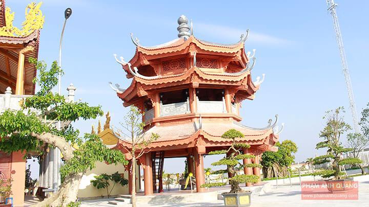 tháp chuông chùa bình a