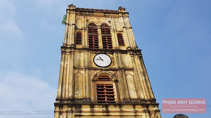 tháp đồng hồ cổ nhà thờ bùi chu